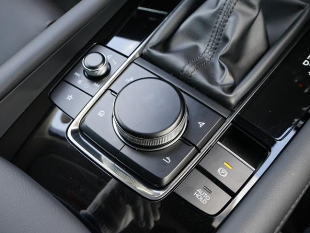 XD Lパッケージ 衝突被害軽減システム アダプティブクルーズコントロール 全周囲カメラ オートマチックハイビーム 革シート 電動シート シートヒーター バックカメラ オートライト LEDヘッドランプ Bluetooth(12枚目)
