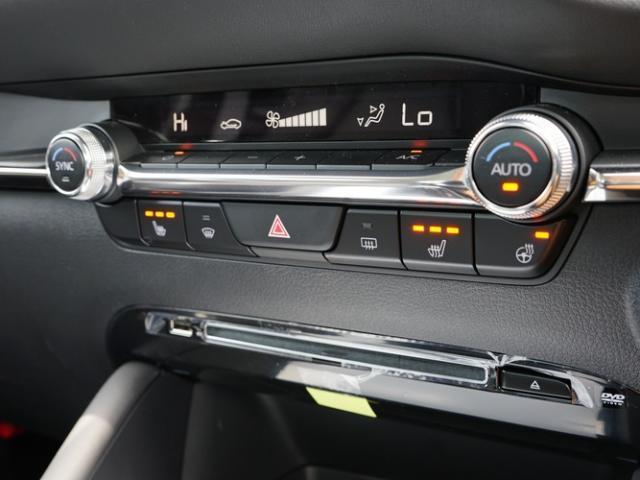 XD Lパッケージ 衝突被害軽減システム アダプティブクルーズコントロール 全周囲カメラ オートマチックハイビーム 革シート 電動シート シートヒーター バックカメラ オートライト LEDヘッドランプ Bluetooth(10枚目)