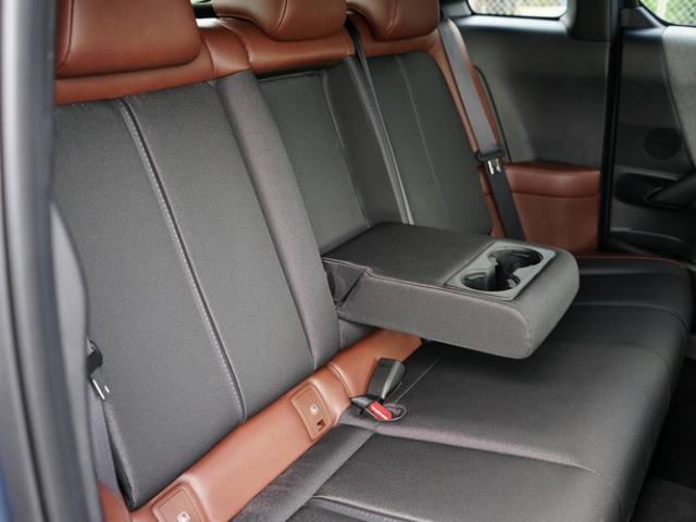 ベースグレード 衝突被害軽減システム アダプティブクルーズコントロール 全周囲カメラ オートマチックハイビーム 電動シート シートヒーター バックカメラ オートライト LEDヘッドランプ ETC Bluetooth(16枚目)
