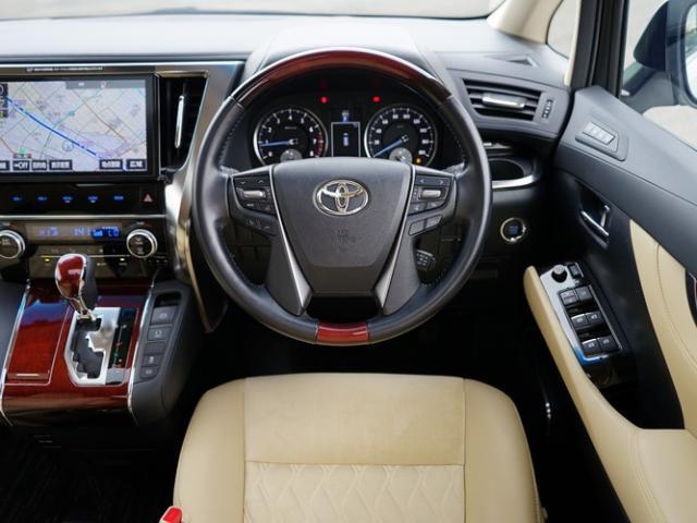 2.5G 衝突被害軽減システム アダプティブクルーズコントロール サンルーフ 3列シート 電動シート 両側電動スライド バックカメラ オートライト LEDヘッドランプ ETC2.0 Bluetooth(4枚目)