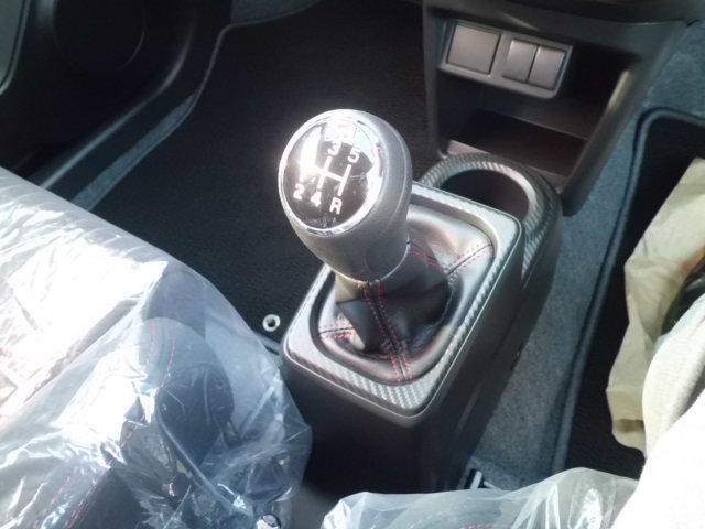 スズキ アルトワークス ベースグレード 未使用車 5MT スマートキー レカロシート
