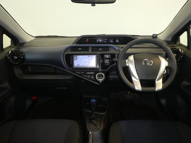 トヨタ アクア S スマートキー HIDヘッドライト
