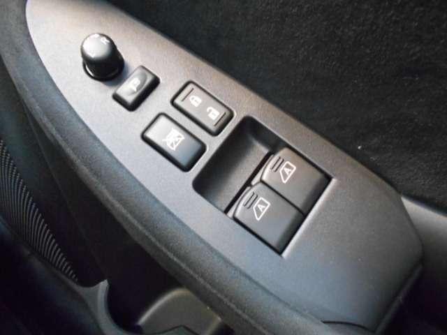 50thアニバーサリー メーカーHDDナビ・Datsun 240Z BREのカラーを再現したZ生誕50周年限定モデル(12枚目)
