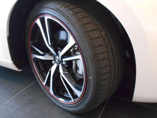 50thアニバーサリー メーカーHDDナビ・Datsun 240Z BREのカラーを再現したZ生誕50周年限定モデル(20枚目)