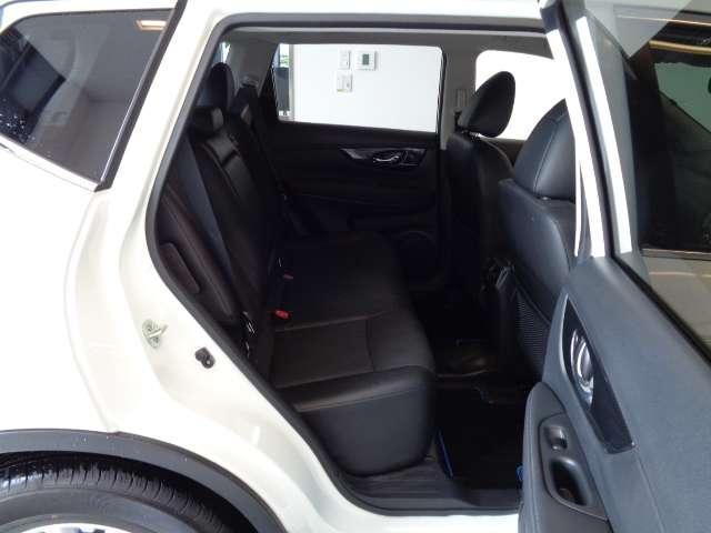 20Xi ハイブリッド 2.0 20Xi ハイブリッド 4WD 被害軽減ブレーキ プライバシーガラス インテリジェントキー ETC バックカメラ ステアリングオーディオスイッチ 左右独立温度調整オートエアコン(16枚目)