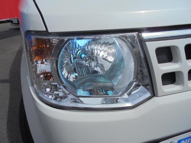 社外HID遠くまで明るく照らし夜間の安全運転をサポートします。