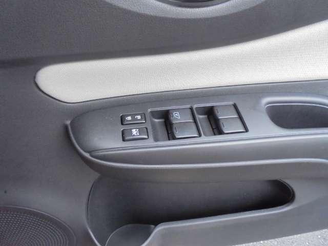 e-パワー X FOUR 4WD メモリーナビ アラウンドモニター 衝突軽減ブレーキ ハイビームアシスト スマートルームミラー 15インチアルミ(7枚目)