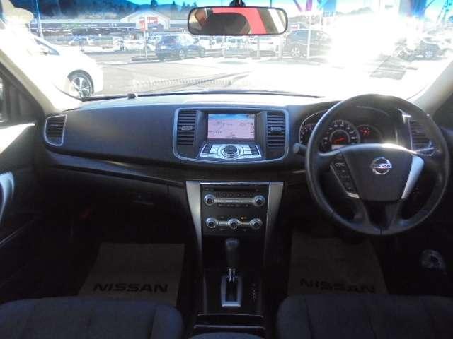 250XL メーカーHDDナビ バックビューモニター インテリジェントキー キセノンヘッドランプ 16インチアルミ 助手席オットマンシート(3枚目)