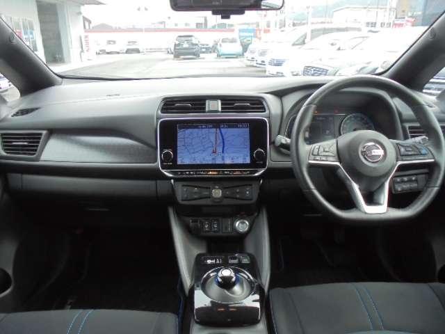X Vセレクション プロパイロット スマートルームミラー アクセルペダルだけで運転する、新しい運転感覚『e-Pedal』街中でのイージードライブから、メリハリの利いたワインディングでのドライブも満喫できます。(3枚目)