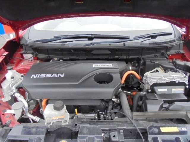 20X ハイブリッド 2.0 20X ハイブリッド 4WD プロパイロット独自の「1モーター2クラッチ方式」、リーフで培ったリチウムイオンバッテリー技術。日産テクノロジーの総力を結集したハイブリッドシステムを搭載。(20枚目)