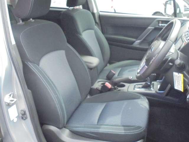 快適に運転できるドライブポジション!運転席シートリフターとシートスライドで、無理のない運転姿勢がとれます。