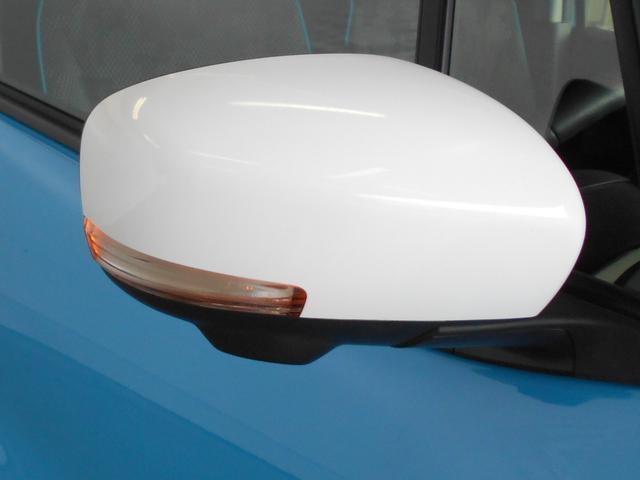 サイドターンランプ付き電動格納式リモコンカラードミラーです。