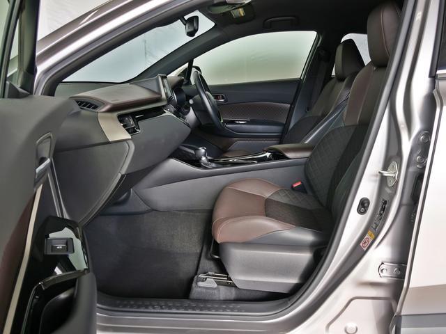 高品質カークリーニング「ピカピCar」外装・内装、当社の専門スタッフがクリーニングしております。