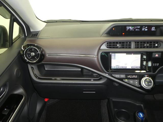トヨタ アクア G メモリーナビ フルセグTV バックカメラ LEDライト