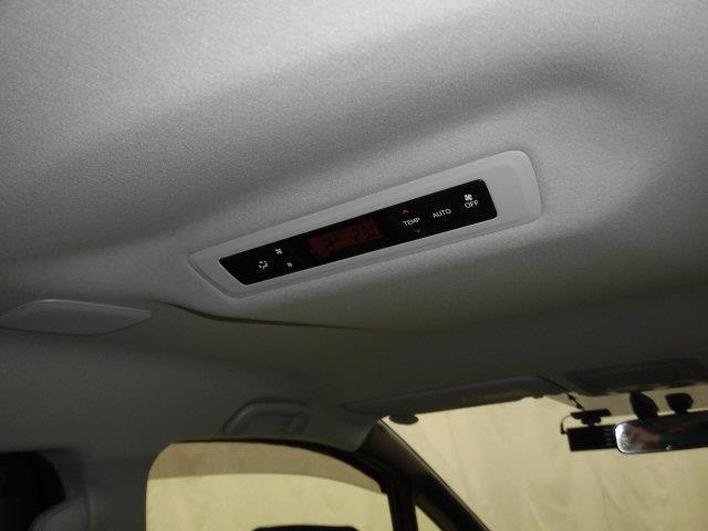 ハイブリッドGi フルセグ メモリーナビ DVD再生 ミュージックプレイヤー接続可 バックカメラ ETC ドラレコ 両側電動スライド LEDヘッドランプ 乗車定員7人 3列シート アイドリングストップ(10枚目)