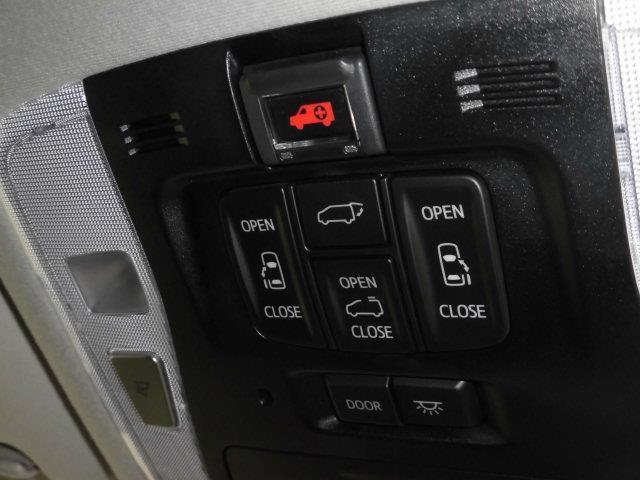 SR Cパッケージ 革シート サンルーフ 4WD フルセグ メモリーナビ DVD再生 ミュージックプレイヤー接続可 後席モニター バックカメラ 衝突被害軽減システム ETC 両側電動スライド LEDヘッドランプ(12枚目)