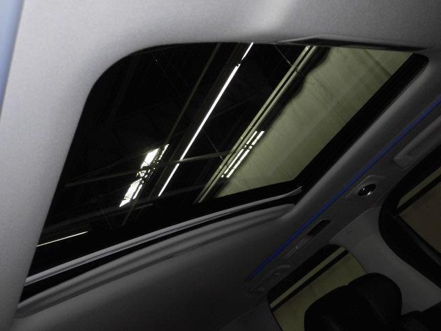 SR Cパッケージ 革シート サンルーフ 4WD フルセグ メモリーナビ DVD再生 ミュージックプレイヤー接続可 後席モニター バックカメラ 衝突被害軽減システム ETC 両側電動スライド LEDヘッドランプ(17枚目)