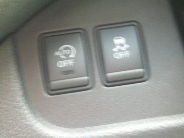 アイドリングストップ動作を停止することがスイッチ一つで可能です。