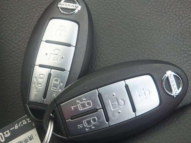 ここまで技術がきました!!カバンやポケットに入れて持っているだけで、ボタン一つでドアを開閉できます。慣れると便利ですよ!