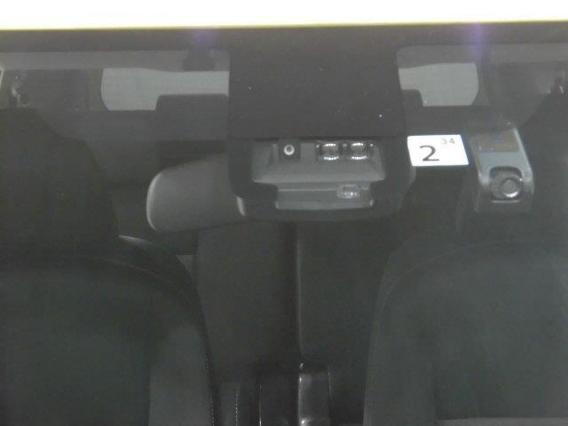 G フルセグ メモリーナビ DVD再生 ミュージックプレイヤー接続可 バックカメラ 衝突被害軽減システム ETC ドラレコ 両側電動スライド 乗車定員7人 3列シート アイドリングストップ(19枚目)