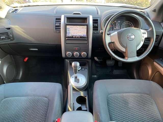20GT ディーゼルターボ 4WD キセノン クルーズコントロール 布シート メモリーナビ フルセグTV バックモニター ETC オートライト(3枚目)