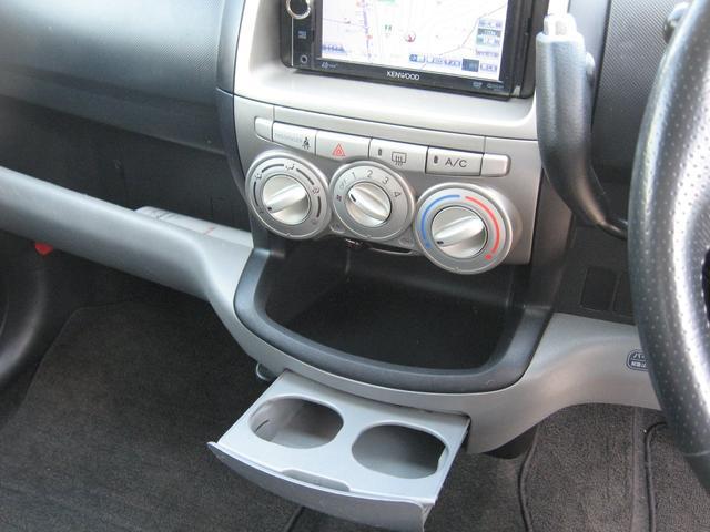 トヨタ パッソ レーシー ナビ Tチェーン車 CD