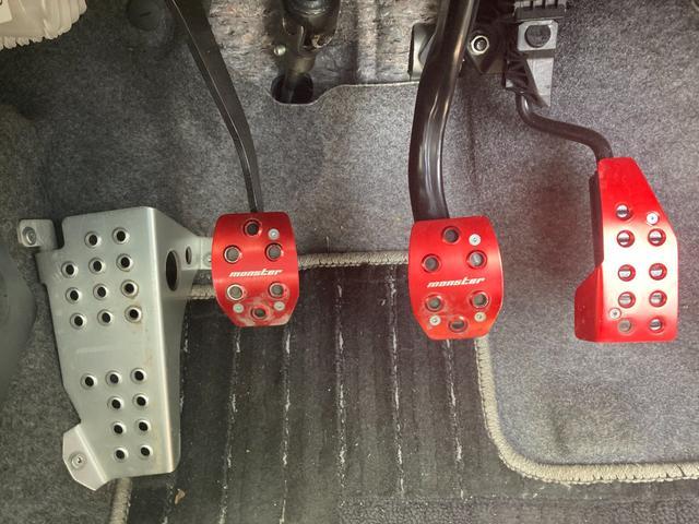 4輪駆動 5速ミッション ETC ナビ プッシュスタート スマートキー 15インチアルミホイール 4WD AWD 5速MT MT車(21枚目)