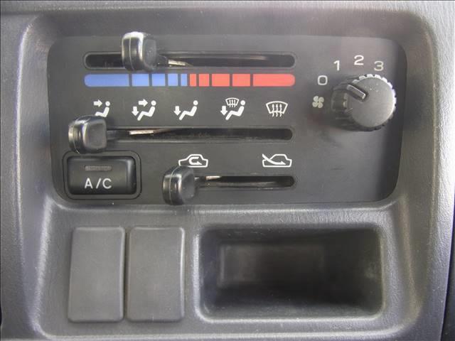三方開ダンプ 4WD カセットデッキ 5.速マニュアル(5枚目)