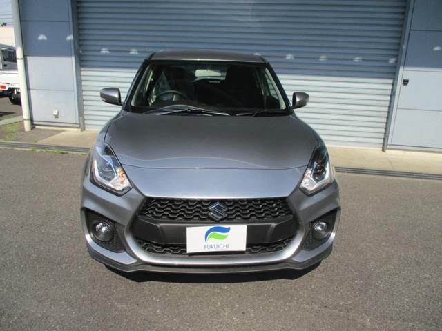 新車メーカー保証付き 6速マニュアル シルバーメタリック(2枚目)