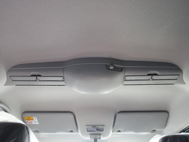 スリムサーキュレーターです!エアコンの空気を循環させ後席側に送ります。前席の方が寒いといった温度差が解決されます!