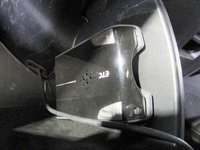ジャストセレクション 純正SDナビフルセグTV DVD再生可能 ブルートゥース バックカメラ ETC ワンオーナー HIDオートライト 左側電動スライドドア スマートキー 社外15インチアルミホイール(11枚目)