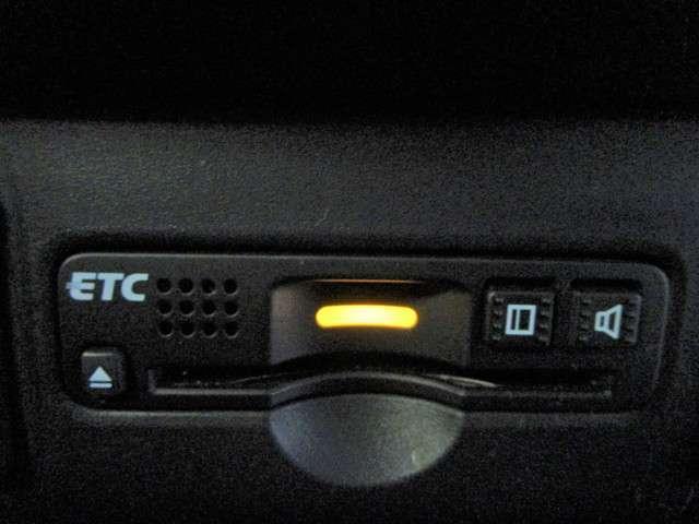 G SSパッケージ 純正SDナビワンセグTV DVD再生可能 ブルートゥース バックカメラ ETC ワンオーナー HIDオートライト スマートキー 左側電動スライドドア リアシートスライド 純正14インチアルミホイール(11枚目)