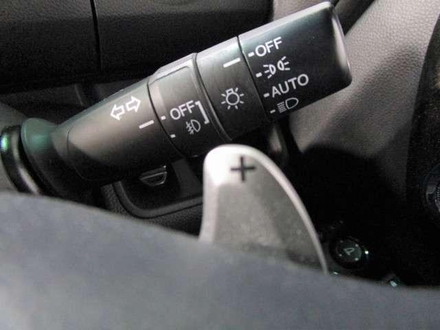 G・Lターボホンダセンシング 純正8インチSDナビフルセグTV DVD再生可能 ブルートゥース  ワンオーナー バックカメラ ETC LEDオートライト スマートキー 両側電動スライドドア ハーフレザー(12枚目)