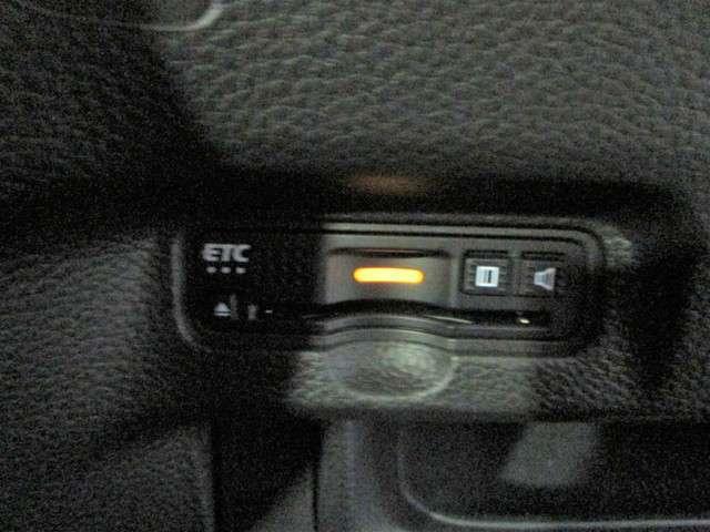 G・Lホンダセンシング 純正SDナビフルセグTV DVD再生可能 ブルートゥース バックカメラ ETC ワンオーナー LEDオートライト スマートキー ホンダセンシング 左側電動スライドドア 純正14インチアルミホイール(11枚目)