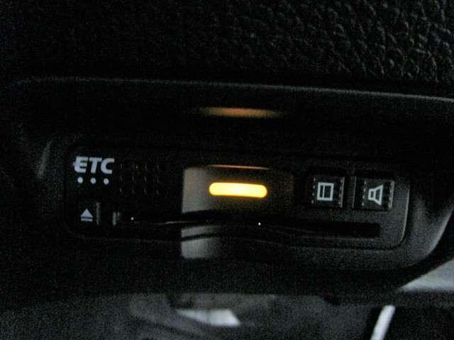 ハイブリッドZ・ホンダセンシング 純正8インチSDナビフルセグTV DVD再生可能 ブルートゥース バックカメラ ETC ワンオーナー LEDオートライト スマートキー ホンダセンシング ハーフレザー シートヒーター(11枚目)