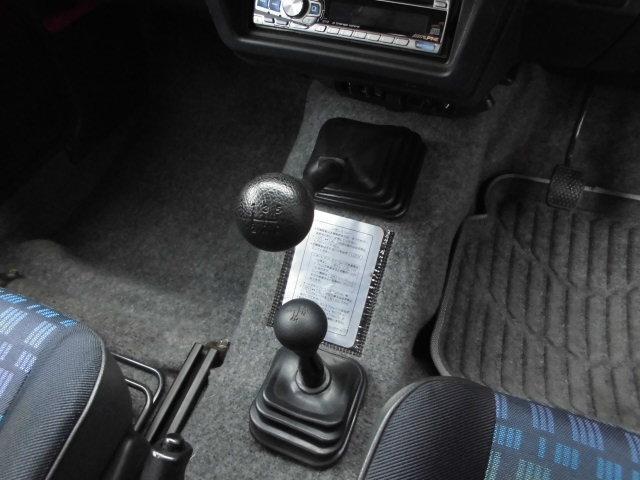 ランドベンチャー 5速マニュアル エアコン パワステ 4WD ターボ(29枚目)