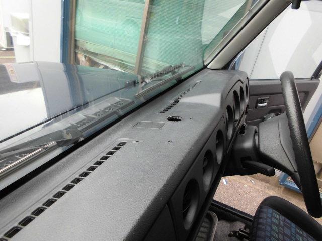 ランドベンチャー 5速マニュアル エアコン パワステ 4WD ターボ(40枚目)