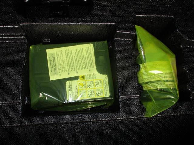 Sツーリングセレクション フルセグTV付きSDナビバックモニター Bluetooth CDDVD再生 ETC スマートキー LEDヘッドライト 純正アルミホイール インテリジェントクリアランスソナー トヨタセーフティーセンス(14枚目)