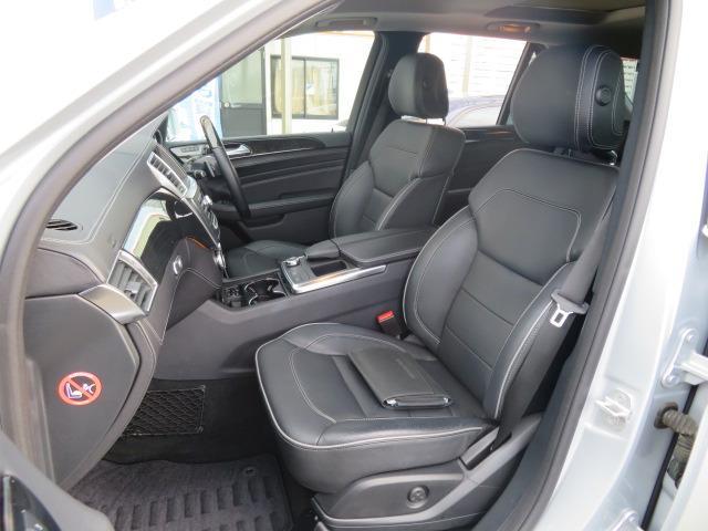 ML350 ブルーテック 4マチック 1オーナー 黒本革パワーシートヒーター ムーンルーフ ウッドパネル キセノンヘッド V6ツインカム直噴ディゼルターボ 7速AT フルタイム4WD インテリキー2(25枚目)