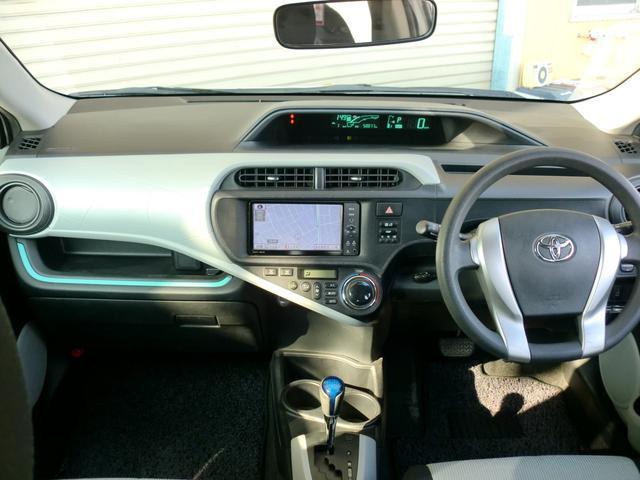 トヨタ アクア S SDナビ フルセグTV スマートキー LEDヘッドライト