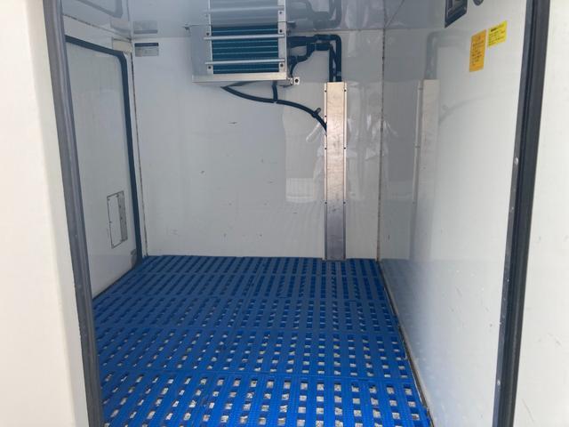 FRD中温冷凍車片側スライド パワステ パワーウィンドウ(8枚目)