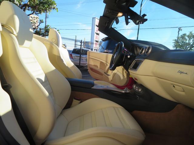 フェラーリ フェラーリ カリフォルニア コーンズディーラー車 オプション20AW カーボンブレーキ