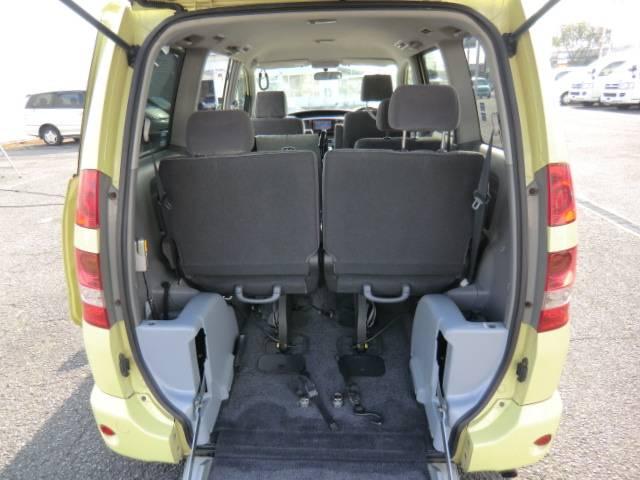 トヨタ ノア 福祉車両 全自動車高降下装置連動式スロープ