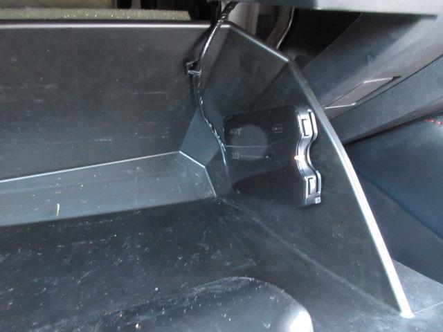 高速道路の出入り口もETC車載器があれば楽々です。