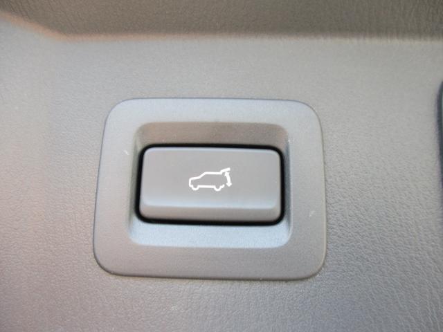 ナビSDカードも付いているのですぐにナビも使用可能です。