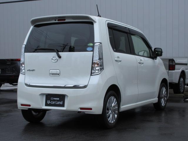 低燃費で経済的なお車です。運転もしやすいので、幅広い世代の方に安心して乗っていただけます!!