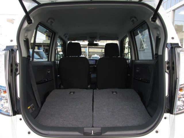 荷室スペースはこのままお使いいただいても十分なスペースがありますが、アレンジして大容量のスペースを確保することも可能です!