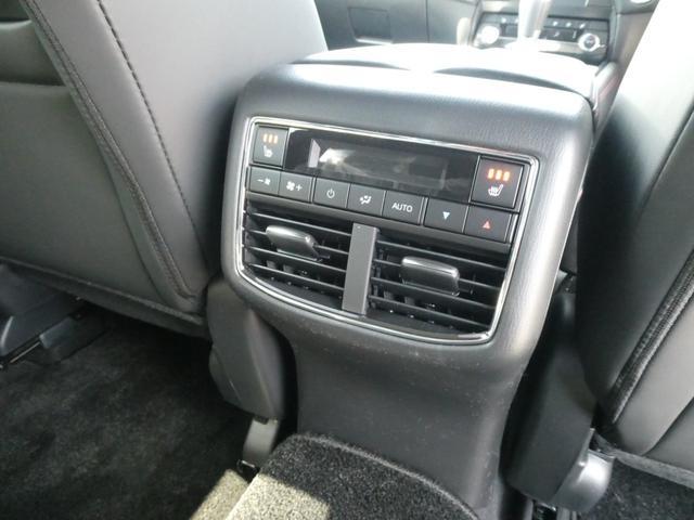 XD ブラックトーンエディション 19インチアルミホイール 登録済み未使用車 Bluetooth接続 バックカメラ 全周囲カメラ スマートキー LED シートヒーター 3列シート(18枚目)