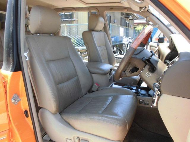 「トヨタ」「ランドクルーザー100」「SUV・クロカン」「愛知県」の中古車13