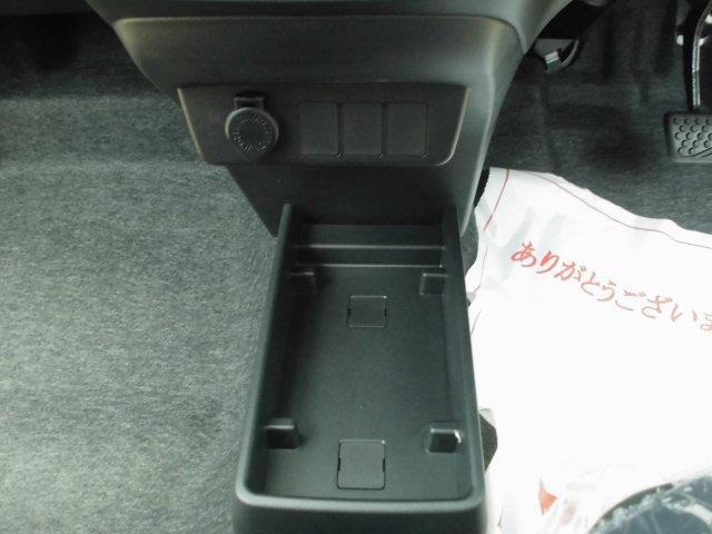 L SAIII 届出済未使用車・キーレス・バックカメラ・アイドリングストップ・プライバシーガラス(11枚目)